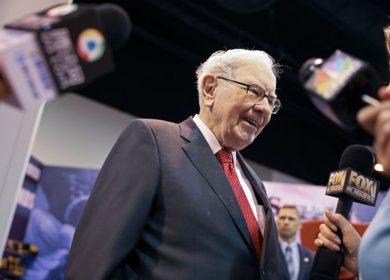 Warren Buffett Says U.S. Economy's Unexpected Strength Benefits Berkshire