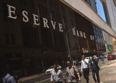 Australia Central Bank Keeps Rates Near Zero as Economy Picks up Speed